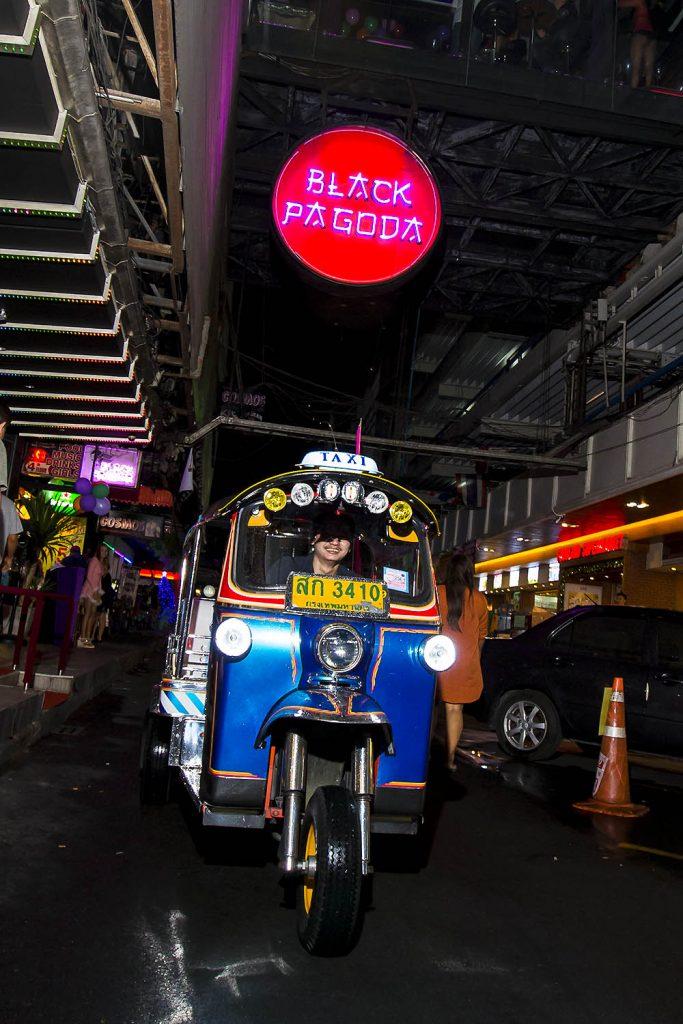 black pagoda bangkok